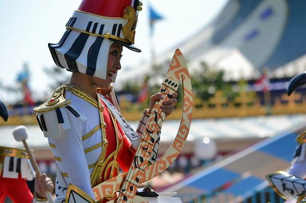 photo-tdl-30th-parade-01