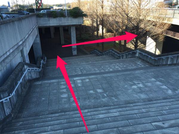 新横浜駅(日産スタジアム東ゲート広場)から「球技場」へ行くルートを紹介(写真付き)4